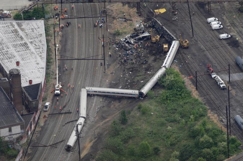 Amtrak Crash Philly.jpg